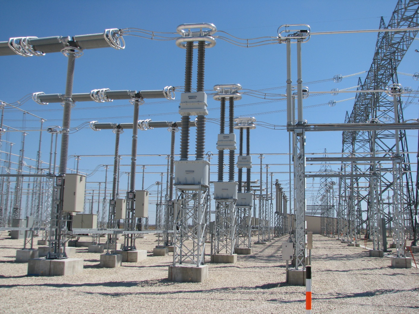 600 kV AC Dry Type LRGBJ-ZH-600 CTs at the Riel Converter Station (Courtesy: Manitoba Hydro)